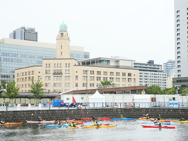 神大生が横浜港でシーカヤックを体験する授業「海の体験学習」を開講! -- 8月23日(木)~26日(日)集中講義 --