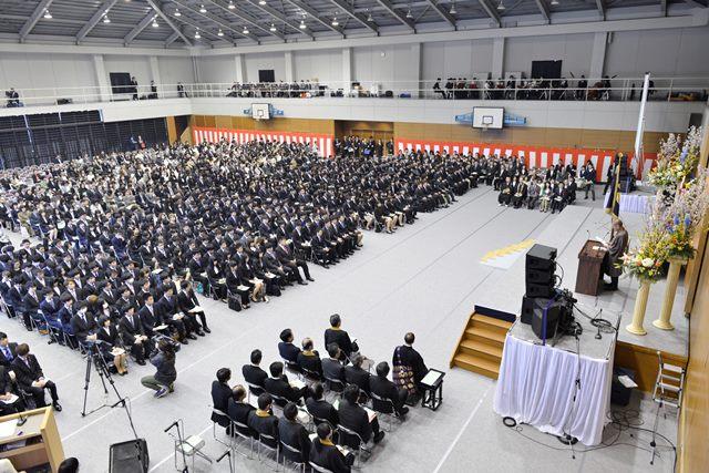 龍谷大学農学部1期生約400名が入学 -- 入学式に滋賀県知事、大津市長等が出席