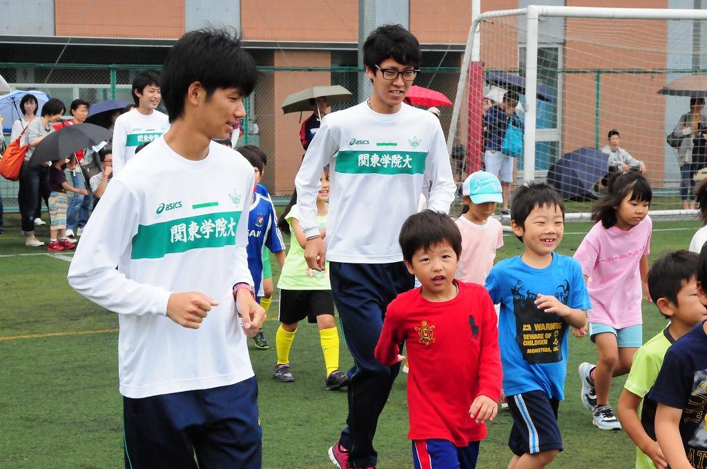 関東学院大学が子どもたちを対象に、スポーツ教室を開催 ~横浜F・マリノスによるサッカー教室や、陸上競技部による走り方教室など8種目~