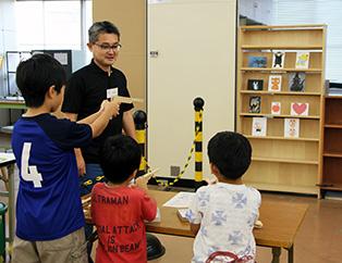 日本工業大学が小中高生や親子を対象とした夏の「体験教室」を開催