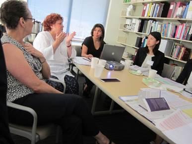 大学職員も国際化へ -- 明治大学が海外での留学・就労体験型研修を実施、8月25日~9月3日、カリフォルニア大デービス校で