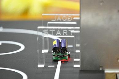 日本工業大学が「第9回マイクロロボットコンテスト高校生大会」を開催