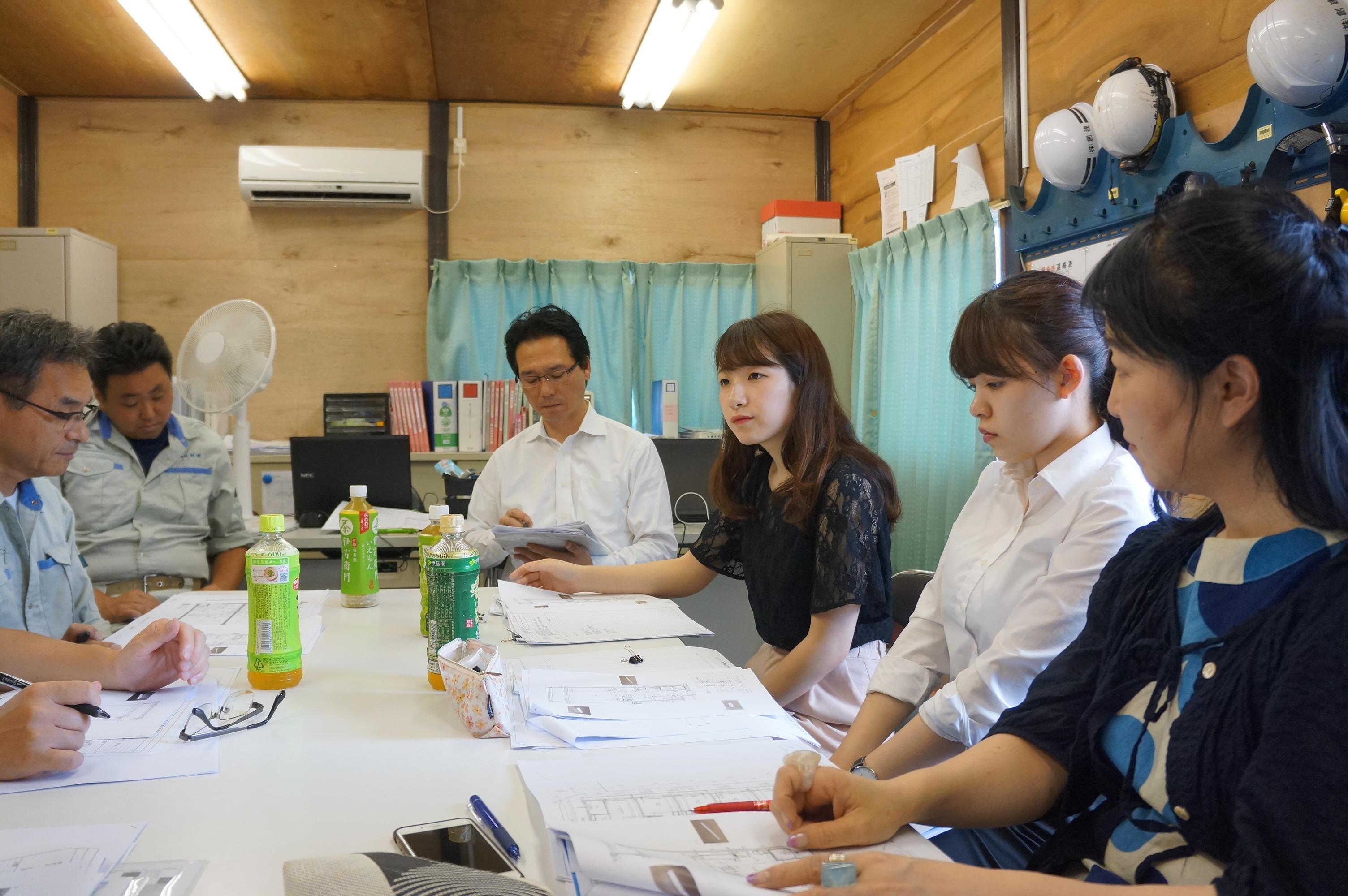 駒沢女子大学の学生が新築賃貸集合住宅のコンセプトやデザインを企画・提案した産学連携課題「コマジョクリエ」物件が2019年2月に竣工~完成披露内覧会および完成式典を2月26日に実施