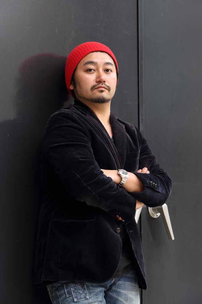昭和大学医学部OBのタニノクロウさんが第60回岸田國士戯曲賞を受賞