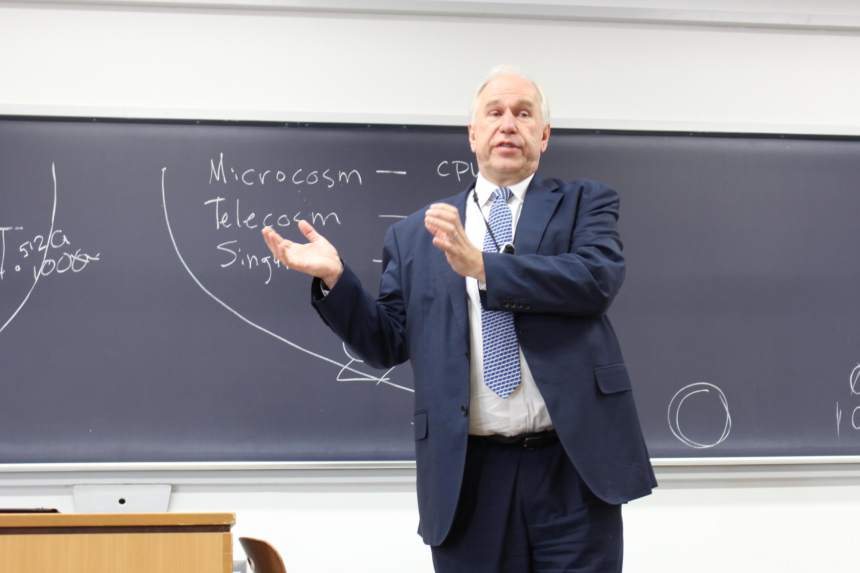 【神奈川大学】神奈川大学経済学部の講義において、日本オラクル前社長 アレン・マイナー氏が講演会を開催!