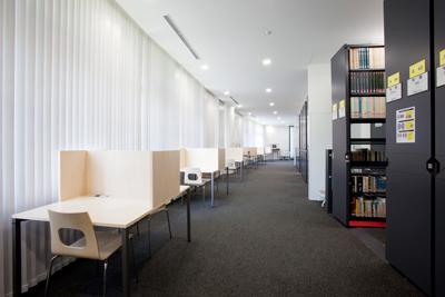 神奈川大学図書館は高校生の学びを応援 -- 夏休み期間中、神奈川大学では高校生に図書館を公開