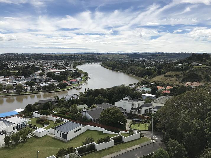 江戸川大学がニュージーランドのマッセイ大学と学術交流協定を締結 -- 海外研修のプログラムがより円滑に