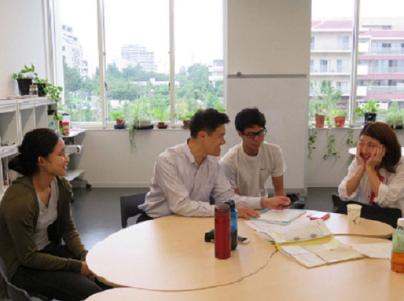 杏林大学2016オープンキャンパスで、国際交流センター企画として、語学サロン(中国語サロンおよび英語サロン)・留学相談コーナーを開催