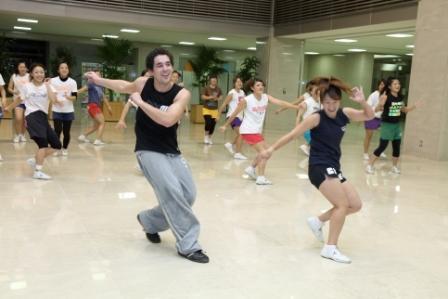 さまざまなスポーツを通じて、留学生と在学生が交流できるイベントを開催――大阪学院大学