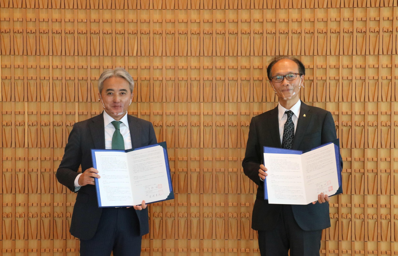 将来の地域医療を支える人材の育成を目指し、武田薬品と教育・研究に関する協定を締結