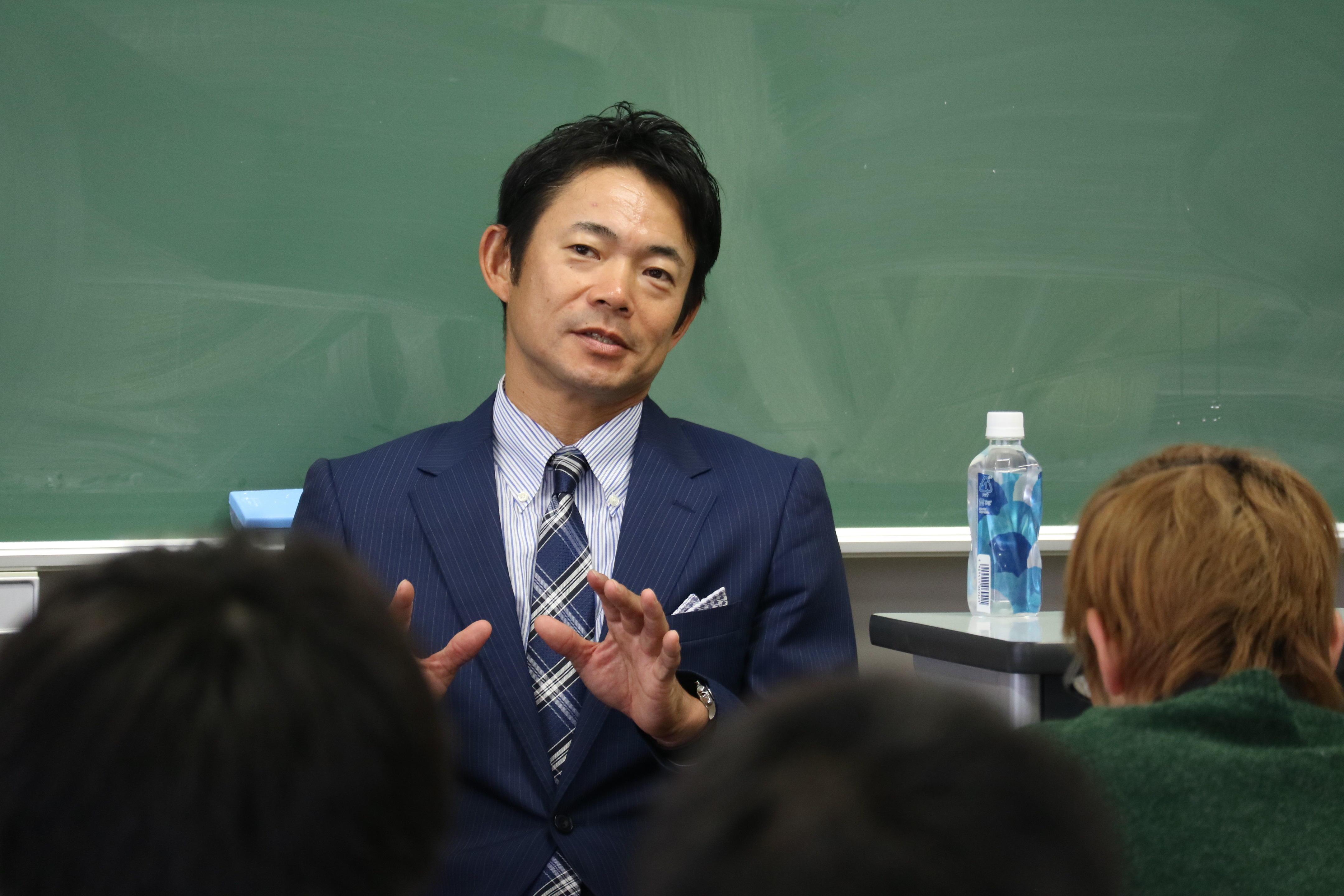 江戸川大学マス・コミュニケーション学科が元プロ野球選手・仁志敏久氏を招いた特別講義を実施 -- 野球界の問題や国際大会への見解、野球論などを熱弁