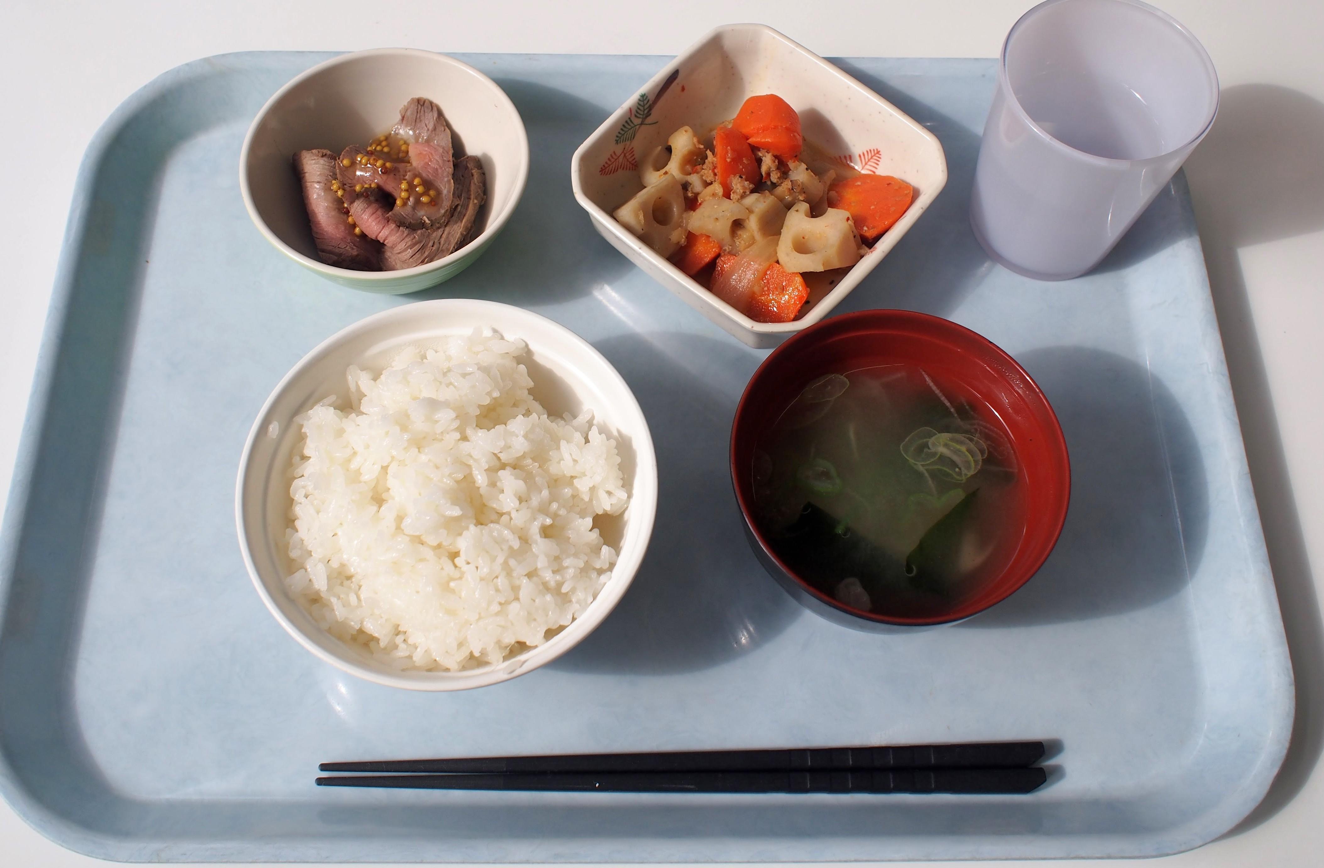 健康第一!昭和定食 学生食堂「ソフィア」で朝ごはんの提供を始めました -- 昭和女子大学