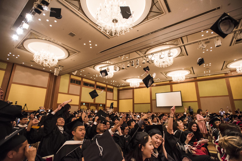 令和初の卒業式 挙行 -- ''自らが輝き始める、そんな未来を信じて'' -- テンプル大学ジャパンキャンパス
