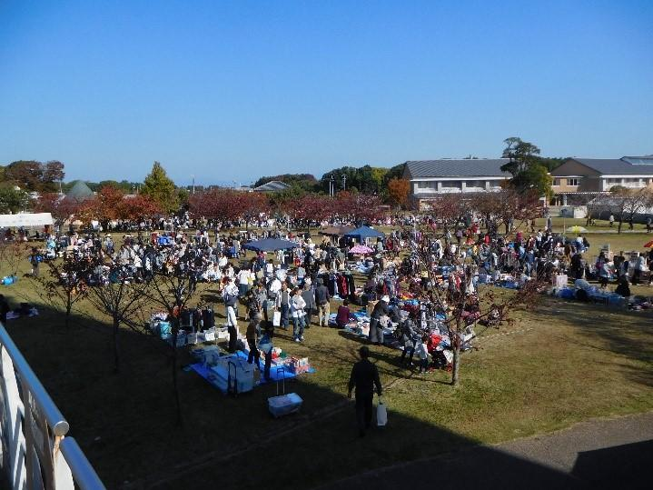 滋賀県立大学で、11月11日、12日に第23回湖風祭(こふうさい)を開催