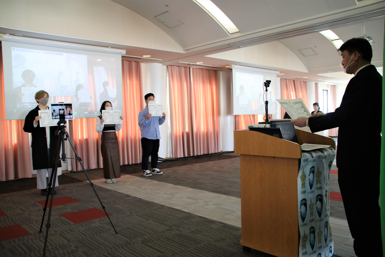 学生が制作したフィッシング被害防止動画に大阪府警察が感謝状 -- 摂南大学