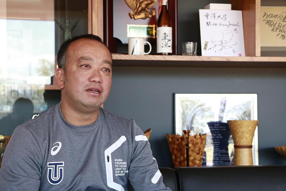 東洋大学「LINK UP TOYO」の動画で土江寛裕氏が「速く走る方法」を伝授 -- 桐生祥秀選手のコーチによる、指導者にも役立つ内容