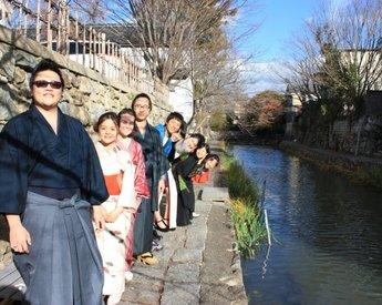 滋賀県立大学の留学生が近江八幡市で地域資源発掘プログラムを実施 -- 地域の人々と交流し、時代劇のロケ地としても有名な同市の魅力に触れる
