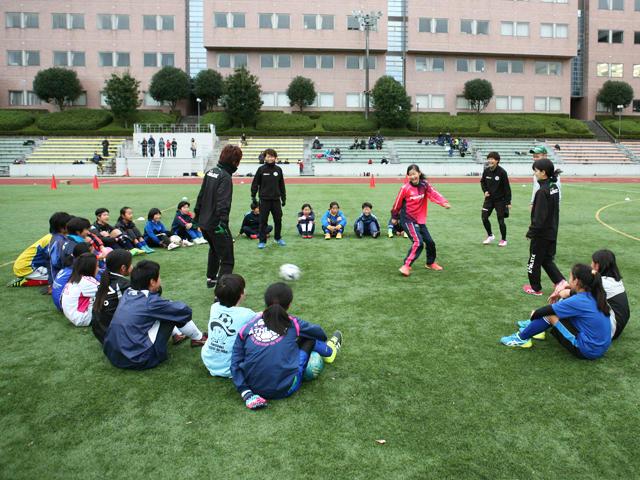 駒沢女子大学が11月23日に「平成29年度第2回駒沢女子大学サッカー教室~日テレ・ベレーザの選手とサッカーをしよう!」を開催 -- 中学生女子および小学校高学年女子の参加者を募集